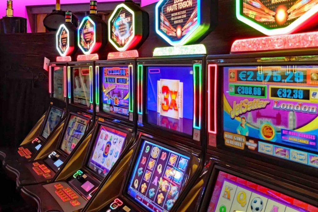 Three Brilliant Ways To Show Your Viewers About Casino